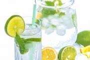 Zašto piti vodu s limunom?